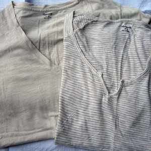 Nice Lot of 2 V-Neck Tees by Madewell Tan MED & SM